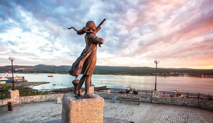 1507bd4f33002 Грузоперевозки Мурманск памятник женщине ждущей моряка